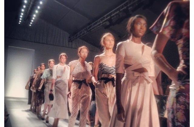 New York Fashion Week: Zimmerman, BCBG, StreetFashion