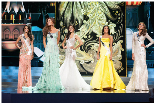 The top 5 at Miss Universe 2013 consisted of 4 Latinas! Wow!
