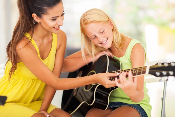 guitar-females