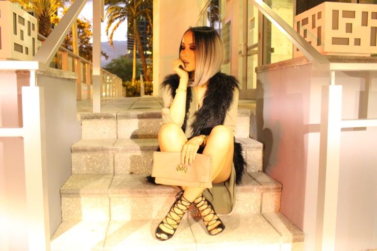 1-lisa opie image gray ombre bobo fur vest fashion blogger instagram