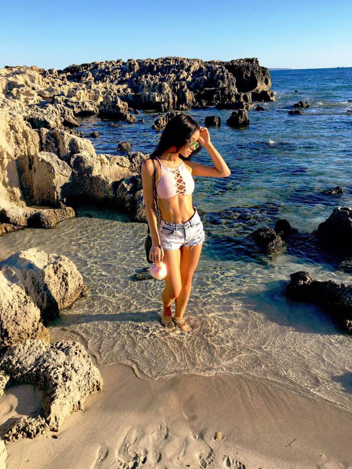 fashion-blogger-ibiza-outfit-what-to-wear-in-ibiza-ibiza-fashion-lisa-opie-lisa-l-opie-image-lisa-l-opie-beach-ibiza