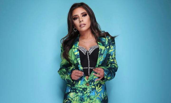 Meet Andrea Vasquez: Owner of PinkappleDresses